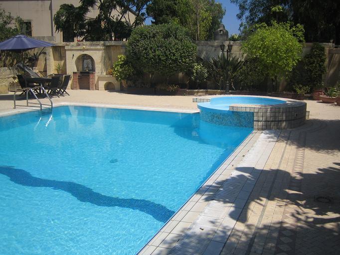 Vila Chandon-Malta, bazen.3