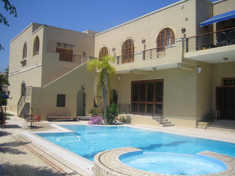Vila Chandon-Malta, bazen