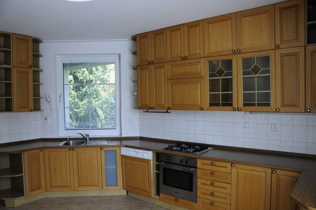 Dom zeleny-Kramare-kitchen